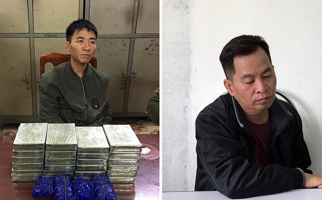 Mang 24 bánh heroin và 6.000 viên ma tuý tổng hợp trong ba lô