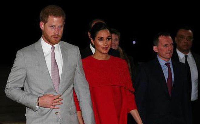 Meghan khiến Hoàng gia Anh nổi giận, cuộc hôn nhân với Hoàng tử Harry được dự đoán chỉ có thể kéo dài khoảng 5 năm