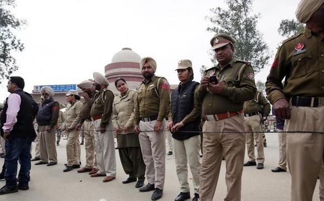 Trao trả Trung tá phi công Ấn Độ, Pakistan có xoa dịu được căng thẳng sớm?
