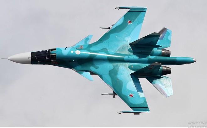Tận thấy cường kích Su-34 tập bài bay cực khó