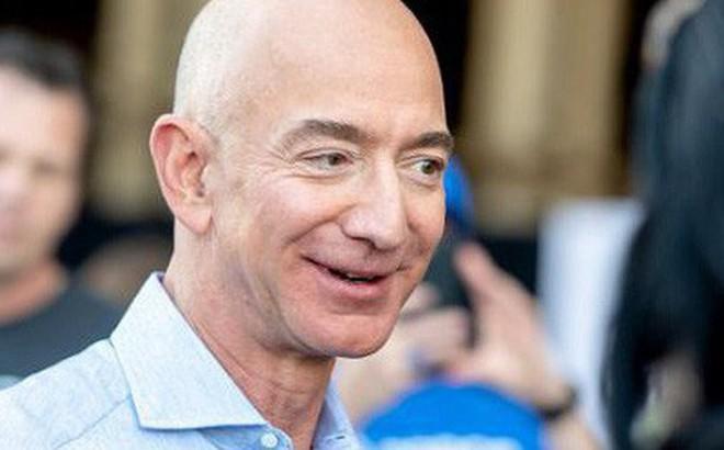 Jeff Bezos ly dị vợ nhưng vẫn là tỷ phú giàu nhất thế giới theo danh sách của Forbes