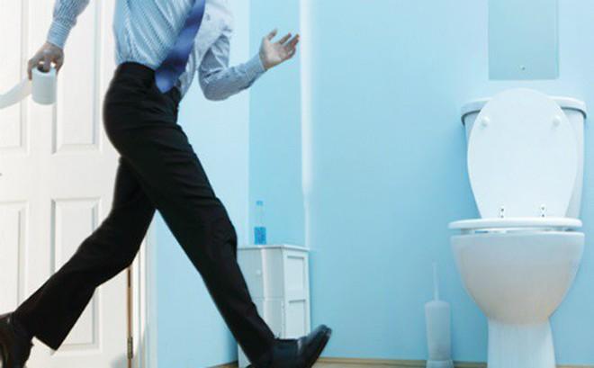 Són tiểu ở nam giới, phòng ngừa có khó?