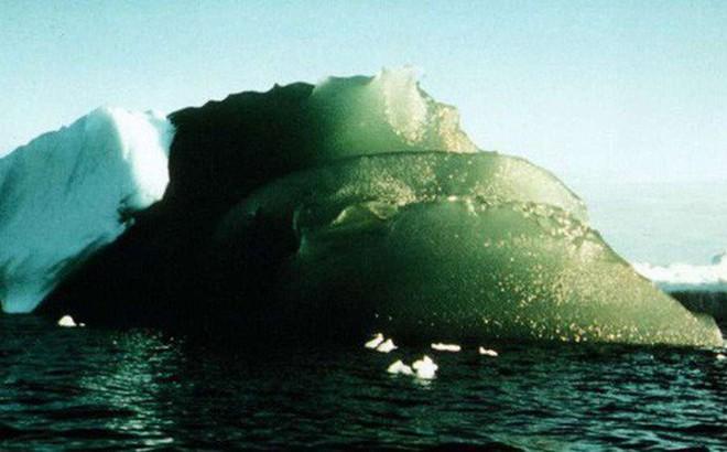 Bí ẩn tảng băng màu xanh ngọc nổi tiếng tại Nam Cực sắp có lời giải
