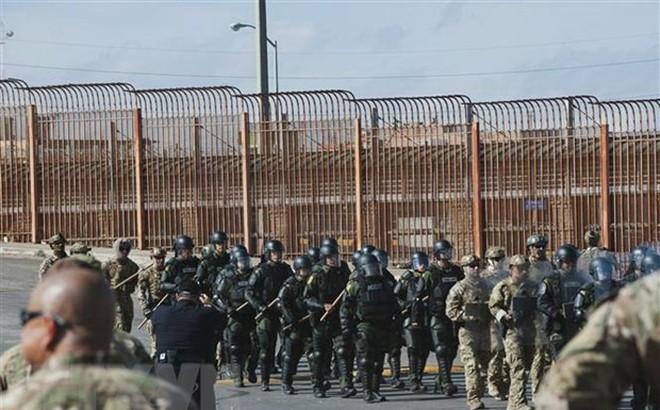 Tổng thống Donald Trump đề nghị tăng ngân sách cho bức tường biên giới