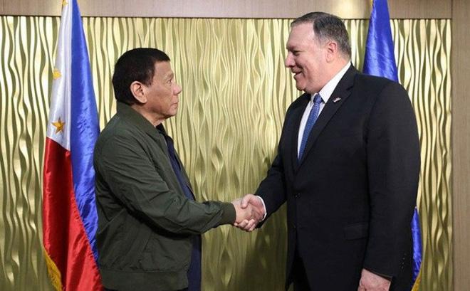 Tổng thống Philippines sợ mất sạch binh lính nếu chiến tranh với Trung Quốc