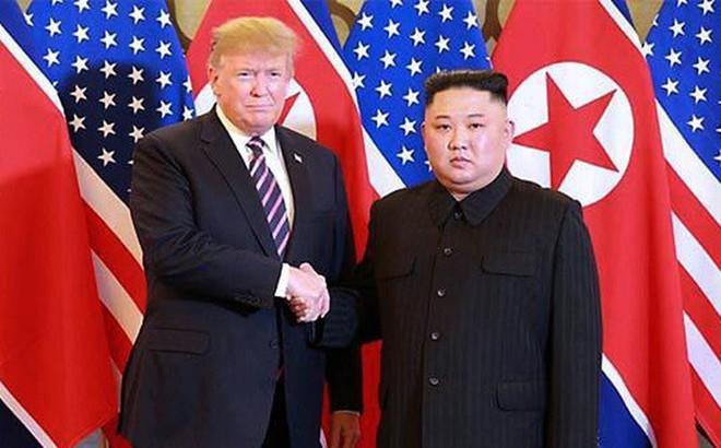 """Ông Trump trao """"mật thư"""" cho ông Kim Jong-un nói rõ yêu cầu của Mỹ"""