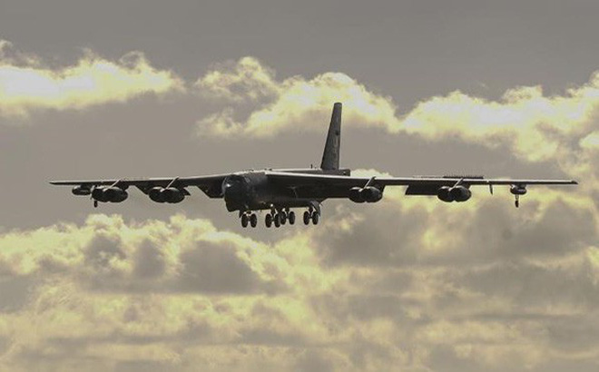 Oanh tạc cơ B-52 lại xuất hiện ở Biển Đông, Mỹ có dụng ý gì?