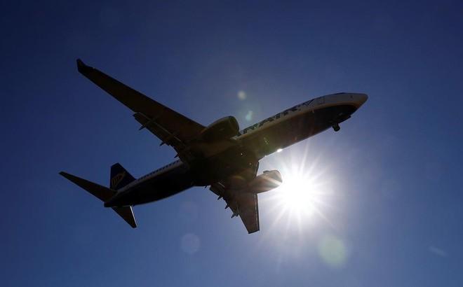 Nóng: Đến lượt Boeing 737-800 gặp sự cố hạ cánh khẩn
