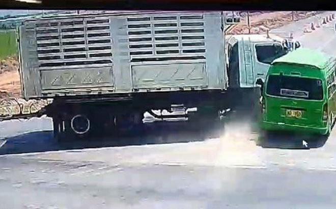 Tai nạn ô tô ở Thái Lan: Xác định danh tính 5 người Việt thiệt mạng