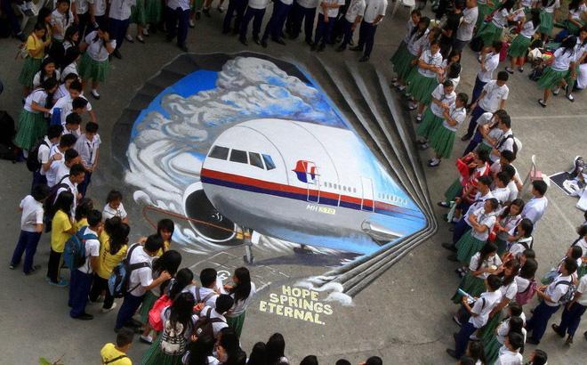 Cuộc điện thoại 'bất lực' của cơ phó MH370 trước khi máy bay biến mất
