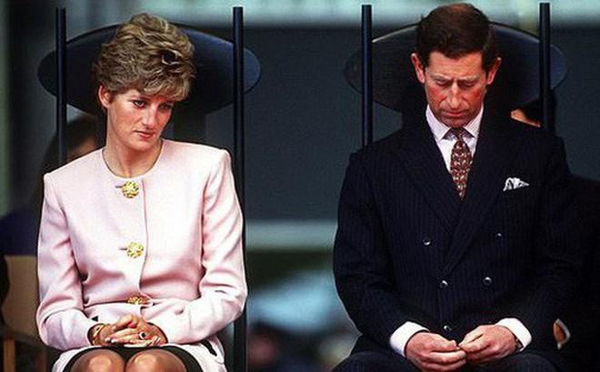 Lần đầu tiên hé lộ việc Công nương Diana và Thái tử Charles đã cùng nhau bật khóc khi ký vào đơn ly hôn vì lý do này