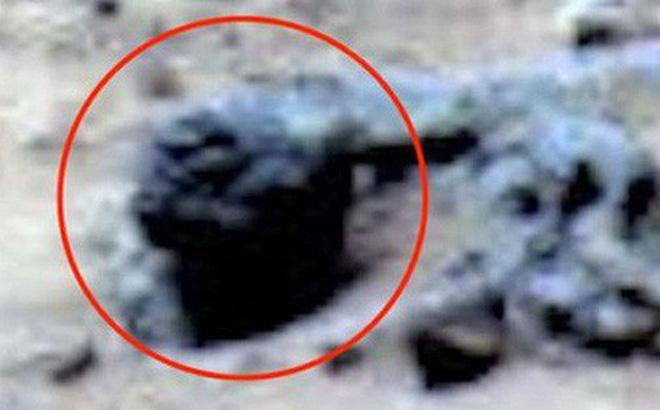 Thực hư việc bức ảnh NASA chụp trên sao Hoả vô tình làm lộ mặt người ngoài hành tinh