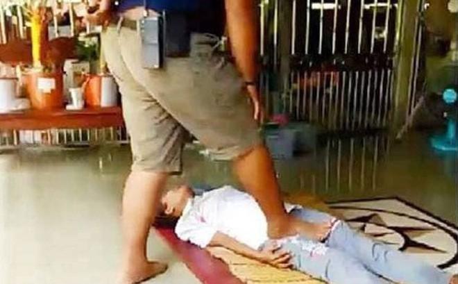 """Tin """"lang băm"""" để chữa bệnh bằng cách massage kinh dị, người phụ nữ nhận cái kết """"đắng lòng"""""""