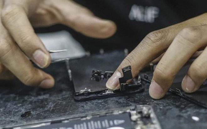 Tin vui cho người dùng iPhone: Mức giá sửa thiết bị sẽ không còn đắt đỏ nữa nhờ quy định mới của Apple