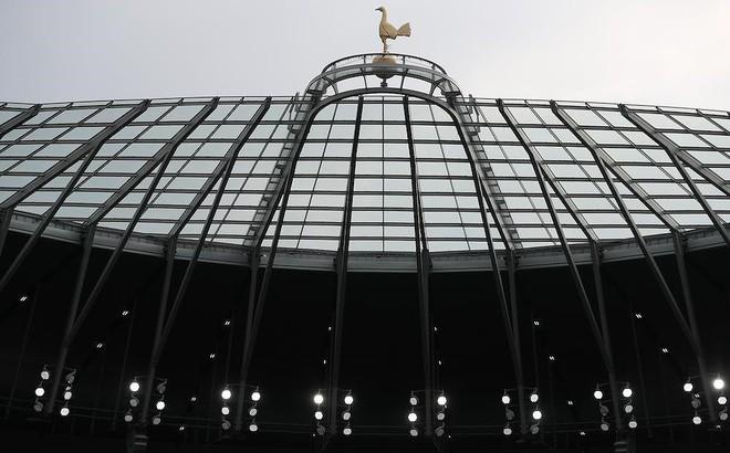 Tottenham ngày về nhà mới trong âu lo