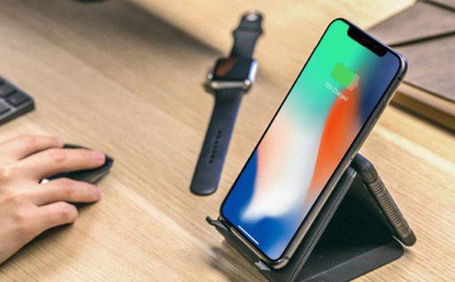 Không AirPower cũng chẳng sao vì đã có đế sạc không dây 'xếp hình': Sạc iPhone, Apple Watch, Airpods cùng lúc, giá chưa tới 1.4 triệu!