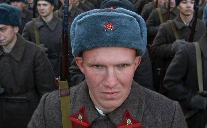 Lính Nga mang 'năng lực siêu nhiên', đọc tài liệu mật xuyên qua két sắt bị khóa?