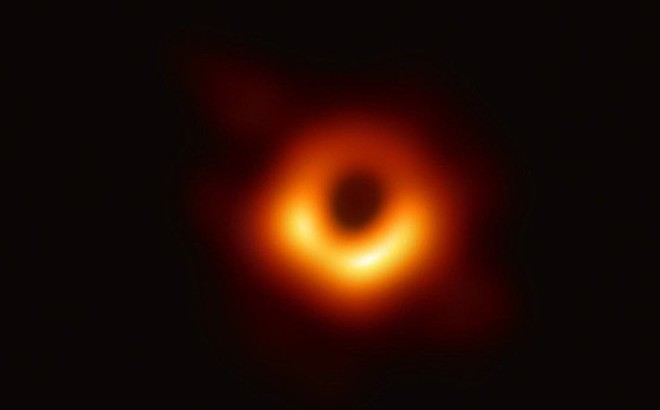 Chính thức: Bức ảnh đầu tiên trong lịch sử về hố đen vũ trụ đã lộ diện