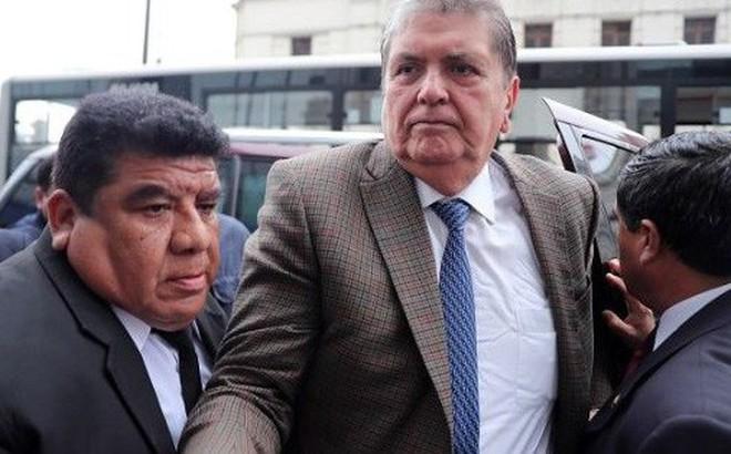 Cựu Tổng thống Peru nói gì trước khi tự bắn vào đầu?