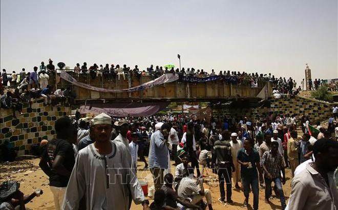 Sudan: Cựu Tổng thống Bashir bị chuyển đến nhà tù Kober