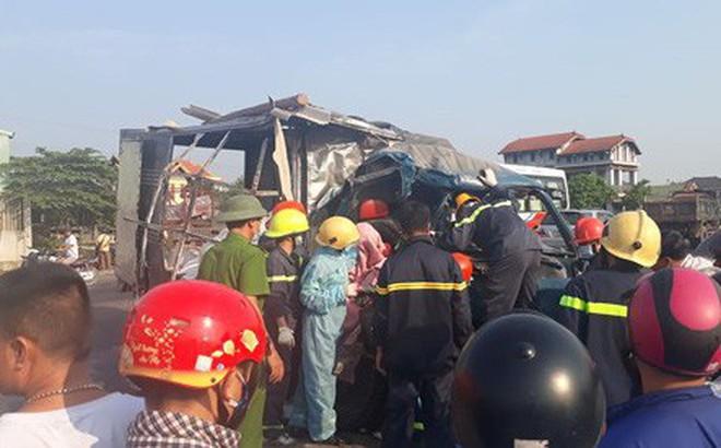 Quảng Trị: Container va chạm với xe tải, 3 người thương vong
