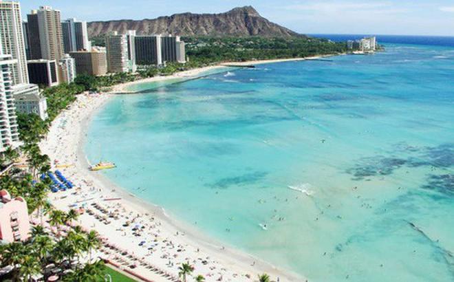 Bãi biển đẹp nổi tiếng thế giới của Hawaii đang gặp vấn đề hết sức nghiêm trọng