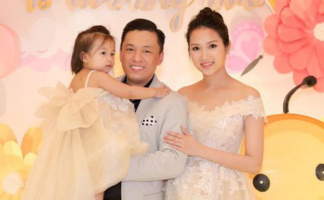"""Bà xã Lam Trường tiếp tục gây chú ý với chia sẻ đầy tâm trạng: """"Nếu không có ngoại, cuộc đời mẹ và con sẽ đi về đâu"""""""