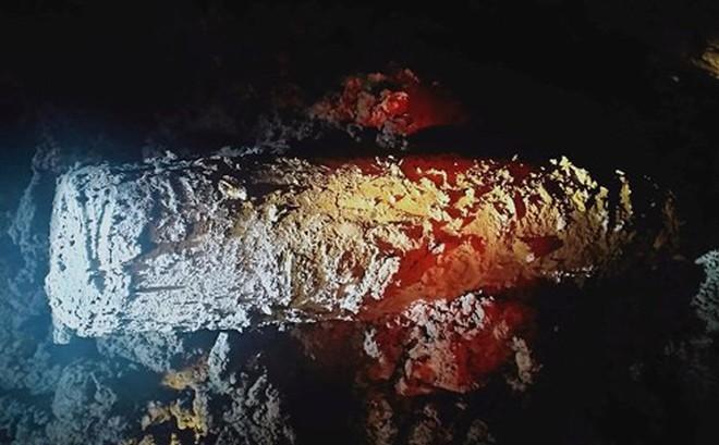 Phát hiện quả bom dài 1,5m dưới lòng sông ở Hà Tĩnh