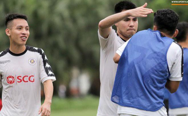 Hùng Dũng nhờ Đức Huy 'đánh' trọng tài vì bắt lỗi nhầm trong buổi tập của Hà Nội FC