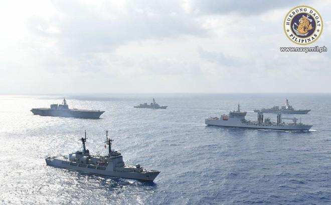 Hải quân Mỹ, Nhật, Ấn Độ và Philippines diễn tập trên Biển Đông thách thức yêu sách của Trung Quốc