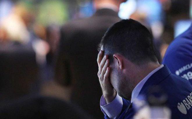Chứng khoán Mỹ đỏ lửa khi Trung Quốc tuyên bố thuế quan trả đũa, Dow Jones mất 600 điểm