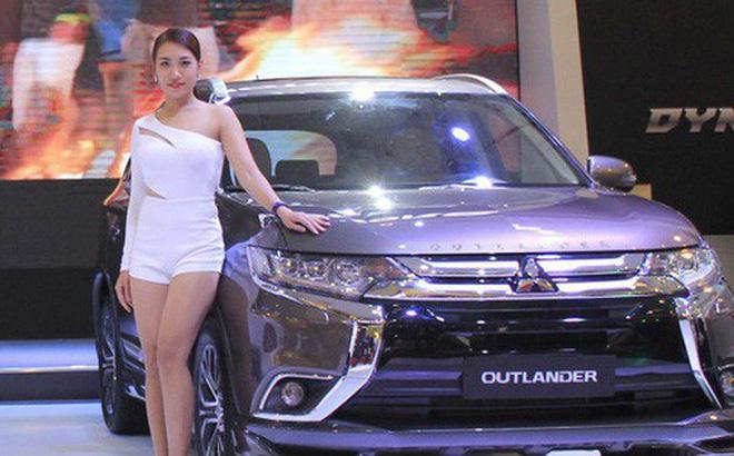 Ô tô nhập khẩu về Việt Nam giá hơn 450 triệu đồng/chiếc
