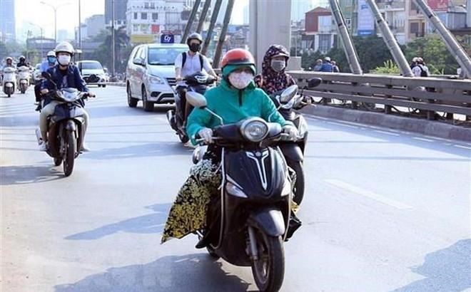 Miền Bắc nắng nóng cục bộ, Nam Bộ tiếp tục có mưa và dông