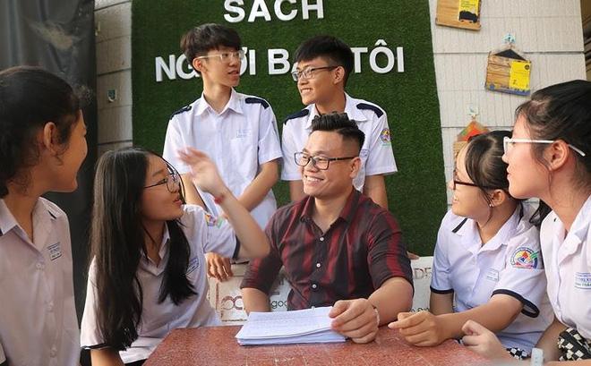 'Bài tập về nhà' không đụng hàng khiến học trò bật khóc