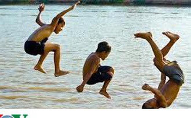 Cảnh báo tình trạng đuối nước ở trẻ em trong mùa hè