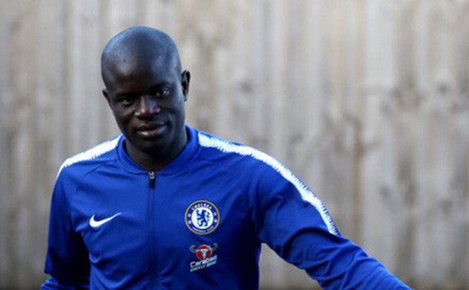 """Chelsea mất """"siêu"""" tiền vệ trước thềm chung kết Europa League?"""