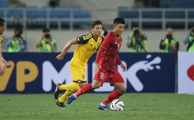 Đội tuyển Việt Nam: HLV Park Hang Seo cầu toàn vì khát cúp?