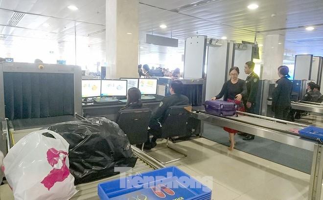 Sân bay Tân Sơn Nhất liên tục phát hiện 'đạo chích' và 'cầm nhầm' tài sản