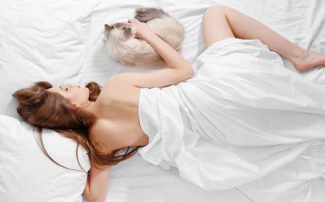 """Những lợi ích """"vàng"""" đối với phụ nữ khi khỏa thân trong lúc ngủ"""