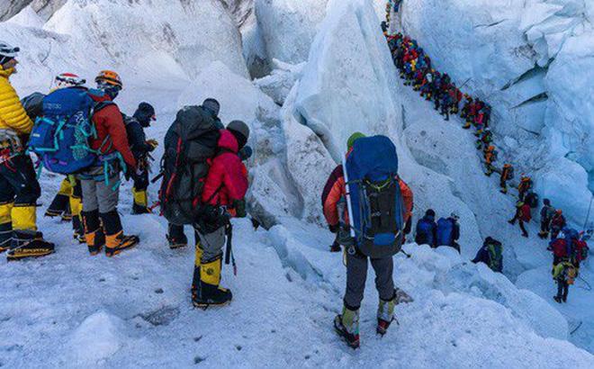 10 sự thực nhiều người chưa biết về hành trình chinh phục Everest: Siêu tốn kém, chuẩn bị không kỹ thì chỉ bỏ mạng