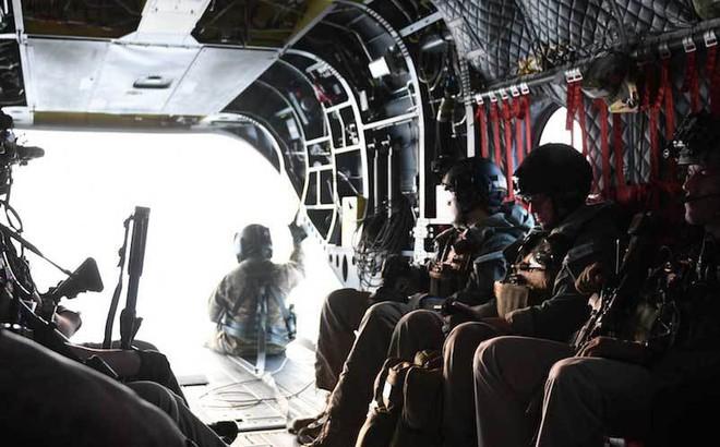 Đội quân siêu tinh nhuệ tháp tùng ông Trump thăm Anh