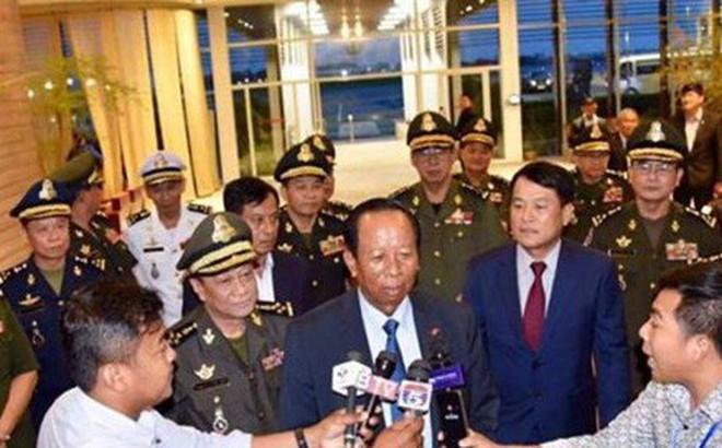 Bộ trưởng Campuchia đòi Thủ tướng Singapore cải chính về quân đội Việt Nam