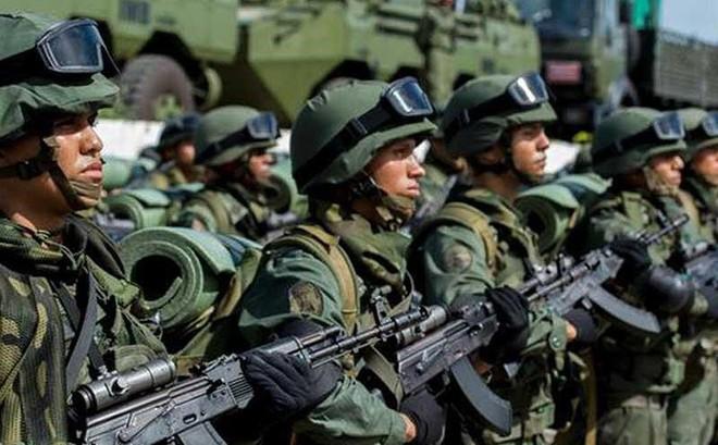 Venezuela giữa vòng xoáy nước lớn