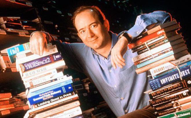 """Câu chuyện 2 chiếc lò sưởi với tên gọi """"Những kẻ mộng mơ"""" và """"Thợ xây"""" trong thư viện của Jeff Bezos và bài học cho những ai đang thấy bế tắc trong cuộc sống"""