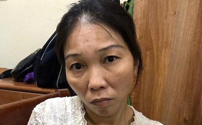 Vừa ra tù, 'nữ quái' lại bị bắt khi móc túi ở nhà chờ xe buýt tại Hà Nội
