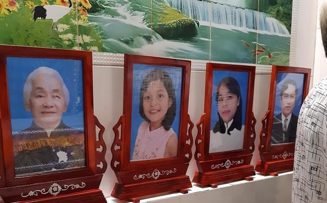 Xe container tông chết 5 người ở Tây Ninh: Xót xa 4 quan tài cạnh nhau sau chuyến xe định mệnh