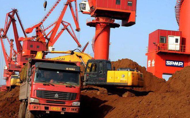 Trung Quốc cấm xuất khẩu đất hiếm sang Mỹ là tự bắn vào chân mình?