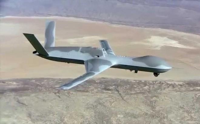 """Lộ diện khoảnh khắc tên lửa Iran """"bắn nổ tung"""" UAV của Mỹ"""
