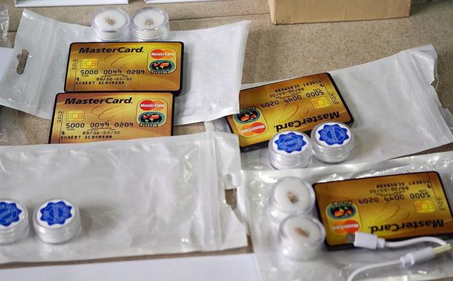 Cận cảnh kho thiết bị gian lận thi cử vừa bị bắt ở Hà Nội