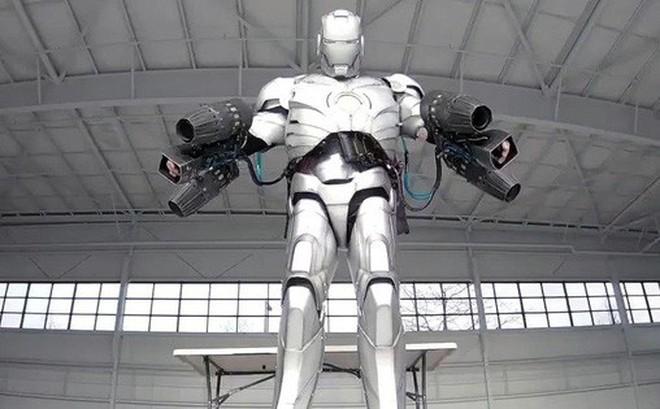 Đây là bộ giáp Iron Man đời thực làm từ titan in 3D: Bay bằng 5 động cơ phản lực, chống được cả bom đạn